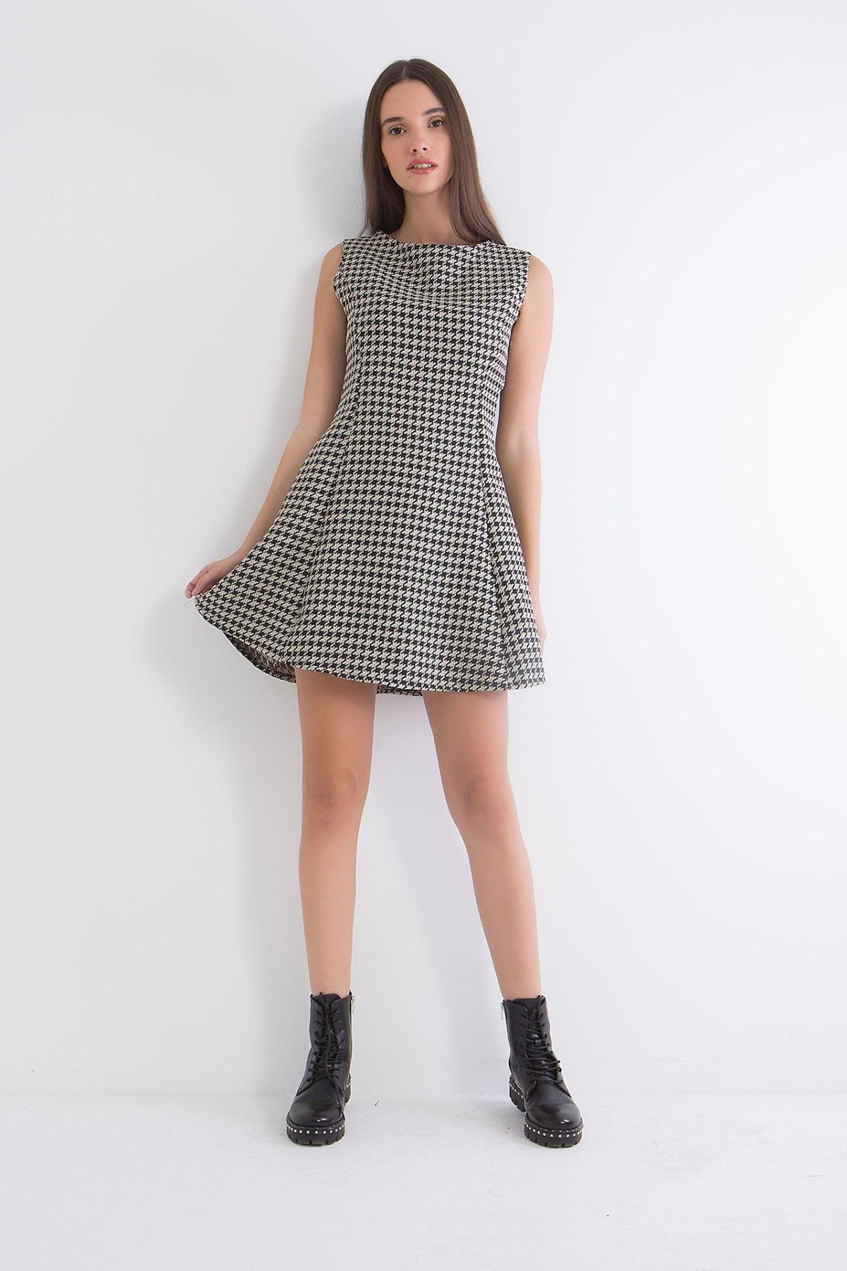Φόρεμα αμάνικο εμπριμέ  Coocu