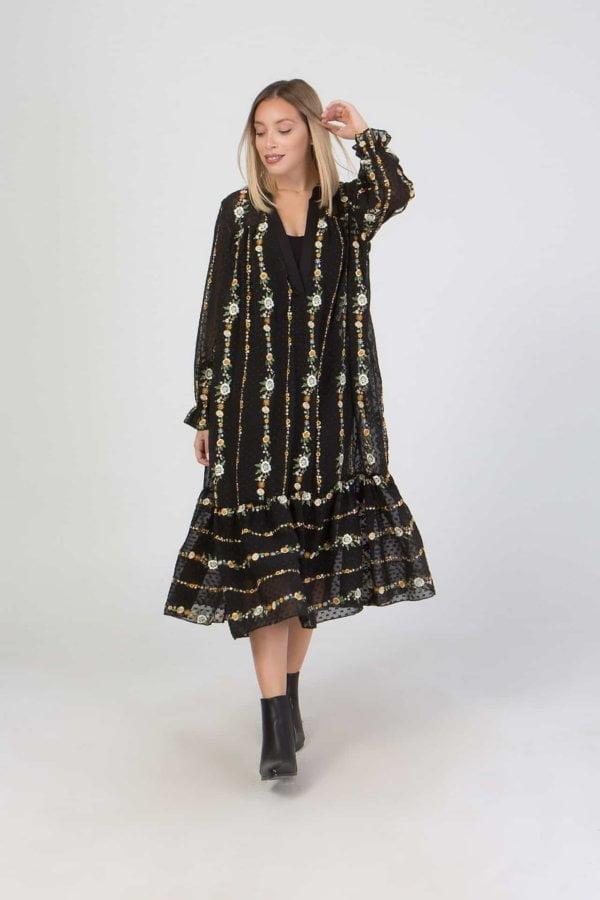Φόρεμα midi με κέντημα Benissimo